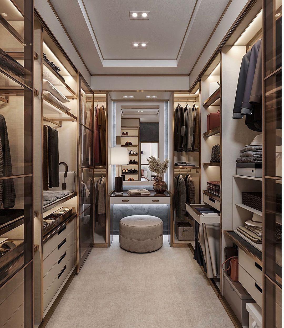 П – образная гардеробная – идеально подойдет в помещении прямоугольной формы. Минимальная ширина для данной гардеробной, составляет 2000 мм.